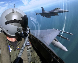 jobs for fighter pilots